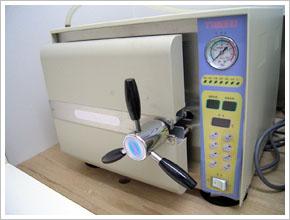 高圧蒸気減菌器「オートクレーブ」